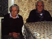 Los hermanos Canals –Amadeo y María–, todavía recuerdan a la familia Montroig. María aún evoca el famoso poltergeist.