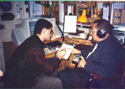 Pedro Amorós junto a Sinesio Darnell en su laboratorio ( Fot. Bea)